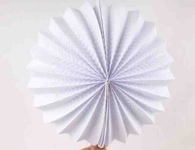 High Quality Single Color Paper Lanterns Craft , White Paper Accordion Balls For  Cultural Garden Ideas